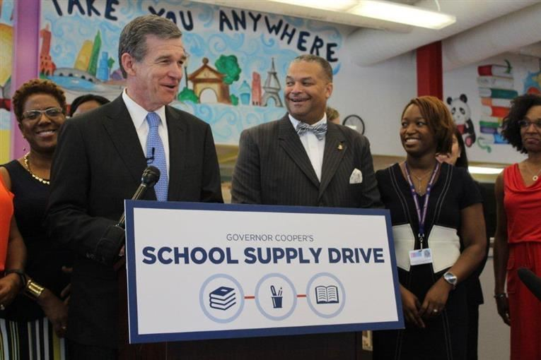 Gov. Cooper Visits Pearsontown to Kick Off His School Supply Drive!