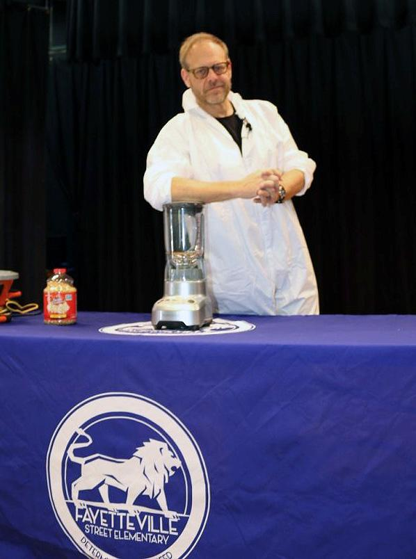 Alton Brown Demystifies Popcorn for Students at Fayetteville Street