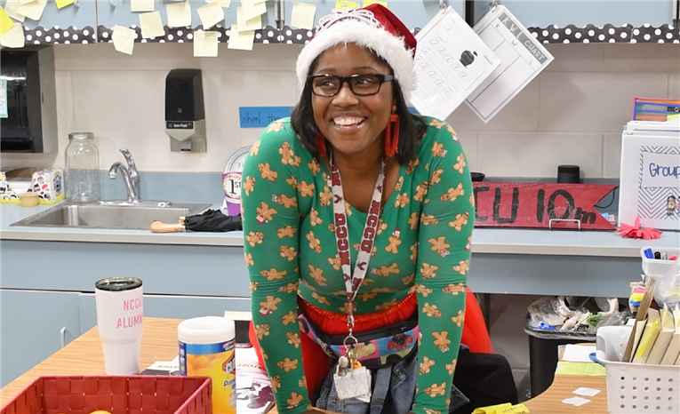 DPS Teacher Raises $7000 to Feed Students for the Holidays